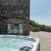 lake district lodge hot tub